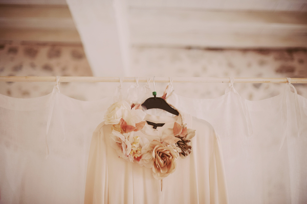 inspiration bröllop, vintagebröllop, vintage wedding, bröllopsinspiration, pasteller, volang, volang elle, brudtärnor, håruppsätttning bröllop, krans bröllop, bröllop vintage