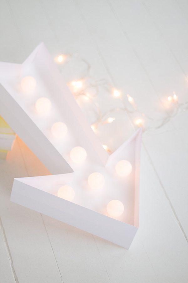DIY-enseigne-lumineuse-flèche