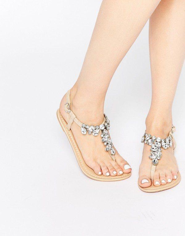 Sandales plates orné de bijoux