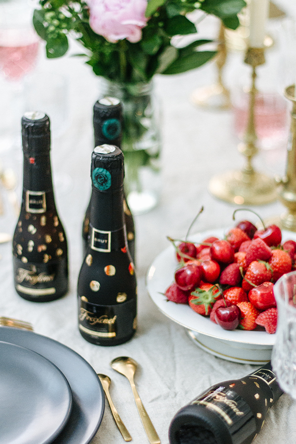 Table-mariage-noir-or-01d