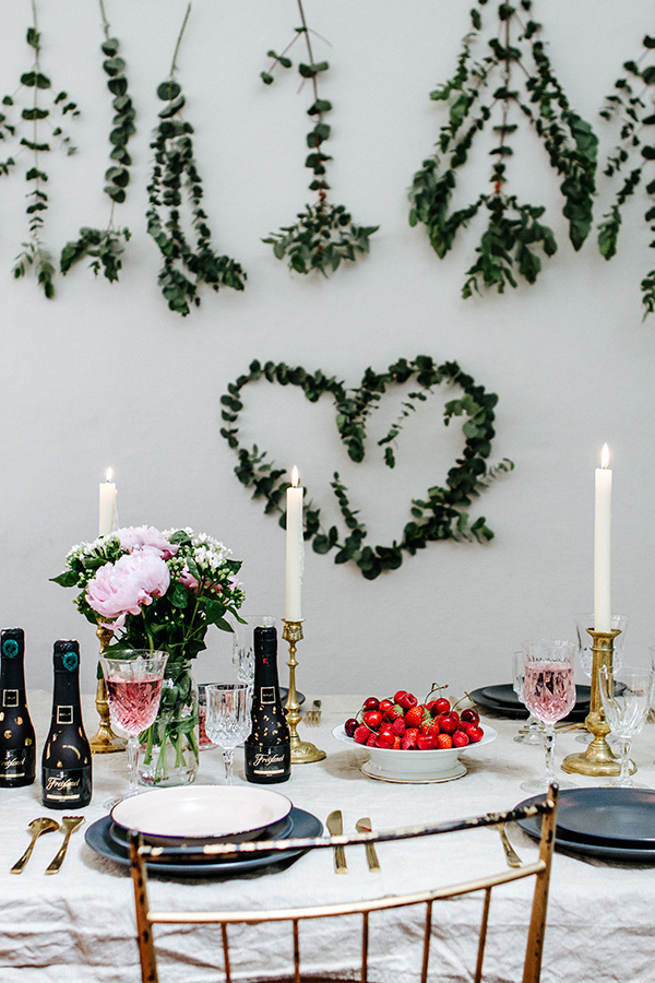 Table-mariage-noir-or-01g