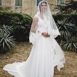 Elle est pas divine notre mariée du jour ? On se remet pas de la beauté de ce voile 😱👉🏻 tous les détails dans notre story ✨ 📷 : @christellegilles