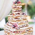 Après la pièce montée et le nude cake, on vous présente… le gaufre cake ! 🙀😍 Trop bon et à moindre coût.. On adore et vous ? 🙌