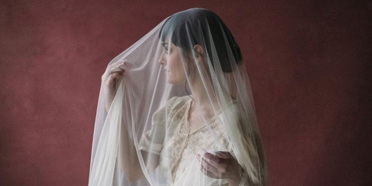 (Français) Des accessoires et voiles de mariée rétro à dénicher pour le grand jour !