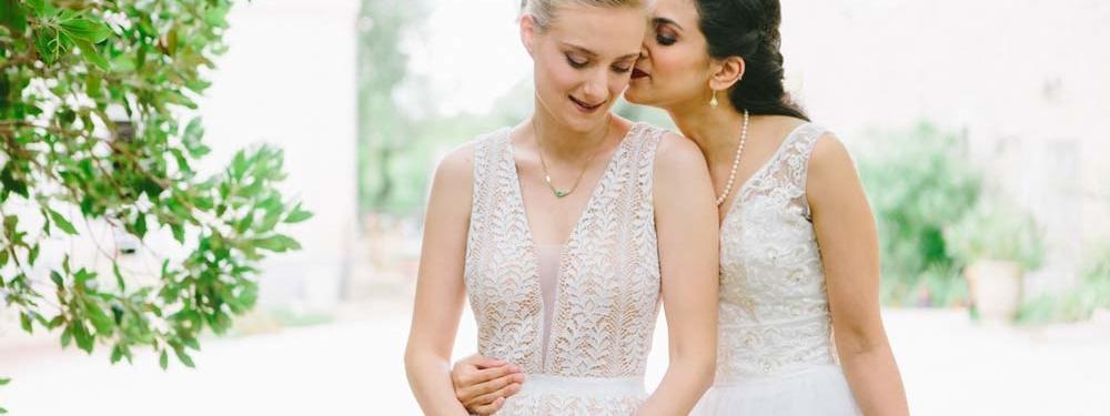 (Français) Nalini & Alexia : leur mariage romantique chic dans le Languedoc Roussillon