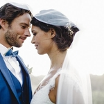 ✨💖Qu'ils sont beaux !  Vous savez ce qu'on aime par dessus tout dans les photos de mariage ? Ces mariés dont les sourires et les regards en disent long ! ⠀ ⠀ Regardez comme il n'a d'yeux que pour elle… 😍 — 🌿Les super prestas 🌿— ⠀ 📷: @christellegilles⠀ 👰Tenue de la mariée : @marionkenezi⠀ 🤵Tenue du marié : @samsonsurmesur 🍳Traiteur : @ledelicedesprinces 🎥Vidéaste : @goodnightmoon.paris ⠀ — 🌿🌿🌿🌿🌿🌿🌿🌿—⠀ ⠀ #mariagefrance #unbeaujour #inspirationmariage #simplewedding #blogmariage⠀