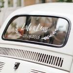 🚗😍 Le détail personnalisé sur votre voiture qui va tout changer !⠀ ⠀ Les noms des mariés joliment calligraphiés à l'arrière de la voiture de votre cortège de mariage, ça vous fait très, TRÈS envie. Mais vous ne connaissez rien à la calligraphie, ni au dessin ? Pas de problème !⠀ ⠀ Nous vous proposons ces guides personnalisés à vos deux noms, qu'il suffit de décalquer à l'aide d'un feutre craie !⠀ ⠀ C'est simple, vraiment facile à faire et vous pouvez l'utiliser sur tous les supports en verre que vous voulez 🙂⠀ ⠀ — 🌿🌿🌿🌿🌿🌿🌿🌿—⠀ ⠀ #unbeaujour #inspirationmariage #diymariage #blogmariage
