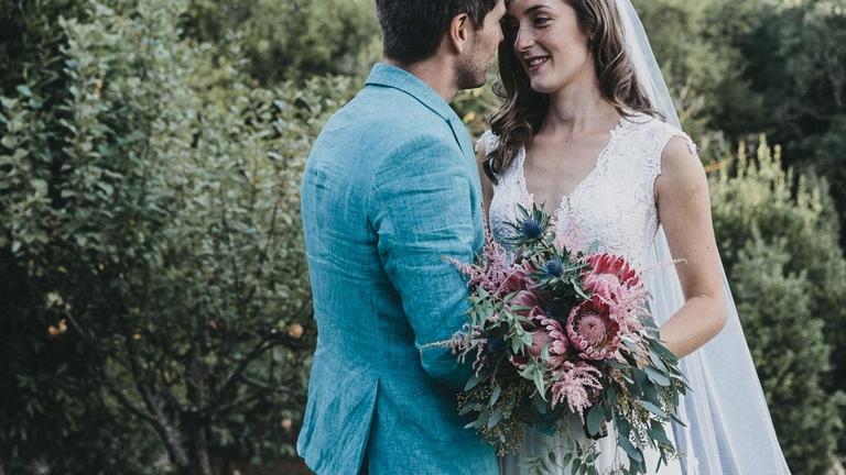 (Français) Eline & Hans : un mariage romantique chic en région PACA