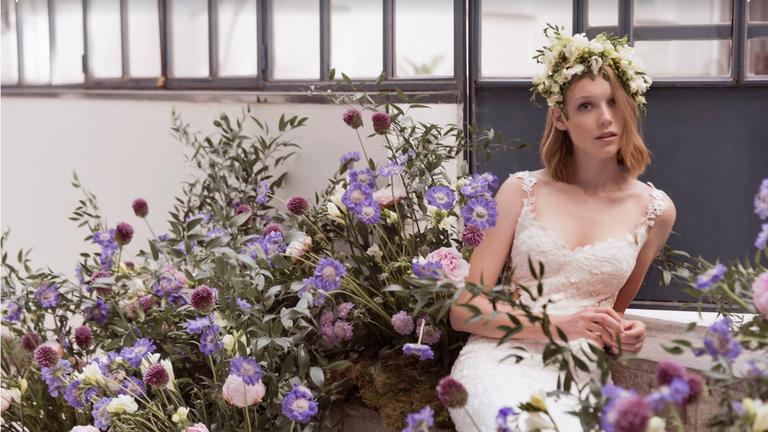 Épanouie comme une fleur le jour de son mariage
