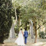 👰Où célébrer cet évènement si exceptionnel ? Y avez-vous déjà songé ? Vous hésitez ? Mariage dans une splendide grange champêtre ou dans un domaine type château ou vieille demeure typique de votre région … Retrouvez sur notre site, ces lieux à réserver sans tarder !⠀ ⠀ 👉✨ Cliquez sur la story pour plus de détails⠀⠀ ⠀⠀ 📷 : @christellegilles⠀ ⠀ — 🌿🌿🌿🌿🌿🌿🌿🌿—⠀⠀ #mariagerocknroll #mariagebucolique #mariageboho #mariagekinfolk #vraimariage #mariage2019 #mariagenature