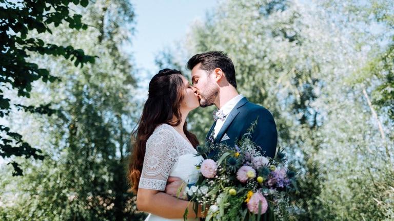 Marcela & Thomas : un mariage tropical dans le Maine-et-Loire